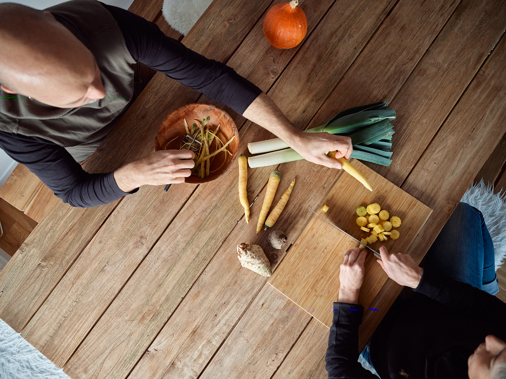 Looslis rüsten das Gemüse aus dem eigenen Garten