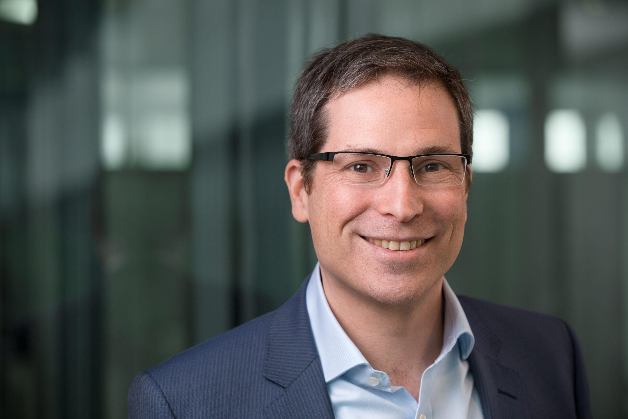 Abraham Bernstein, Professor an der Universität Zürich